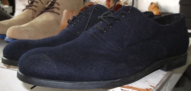 Navy canvas bucks with black rubber soles