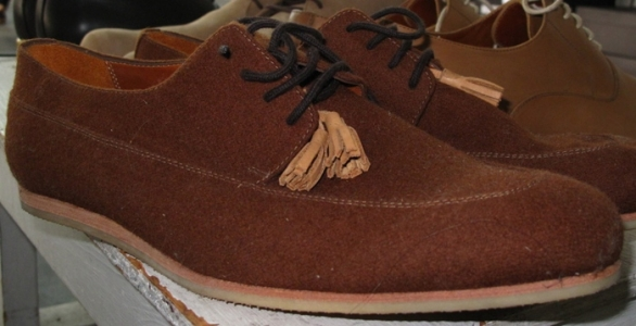 Brown canvas lace-ups with tassels & rubber soles